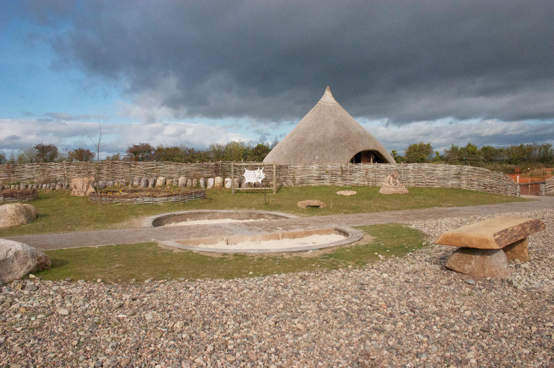 Stone Age wetland crannóg landscape