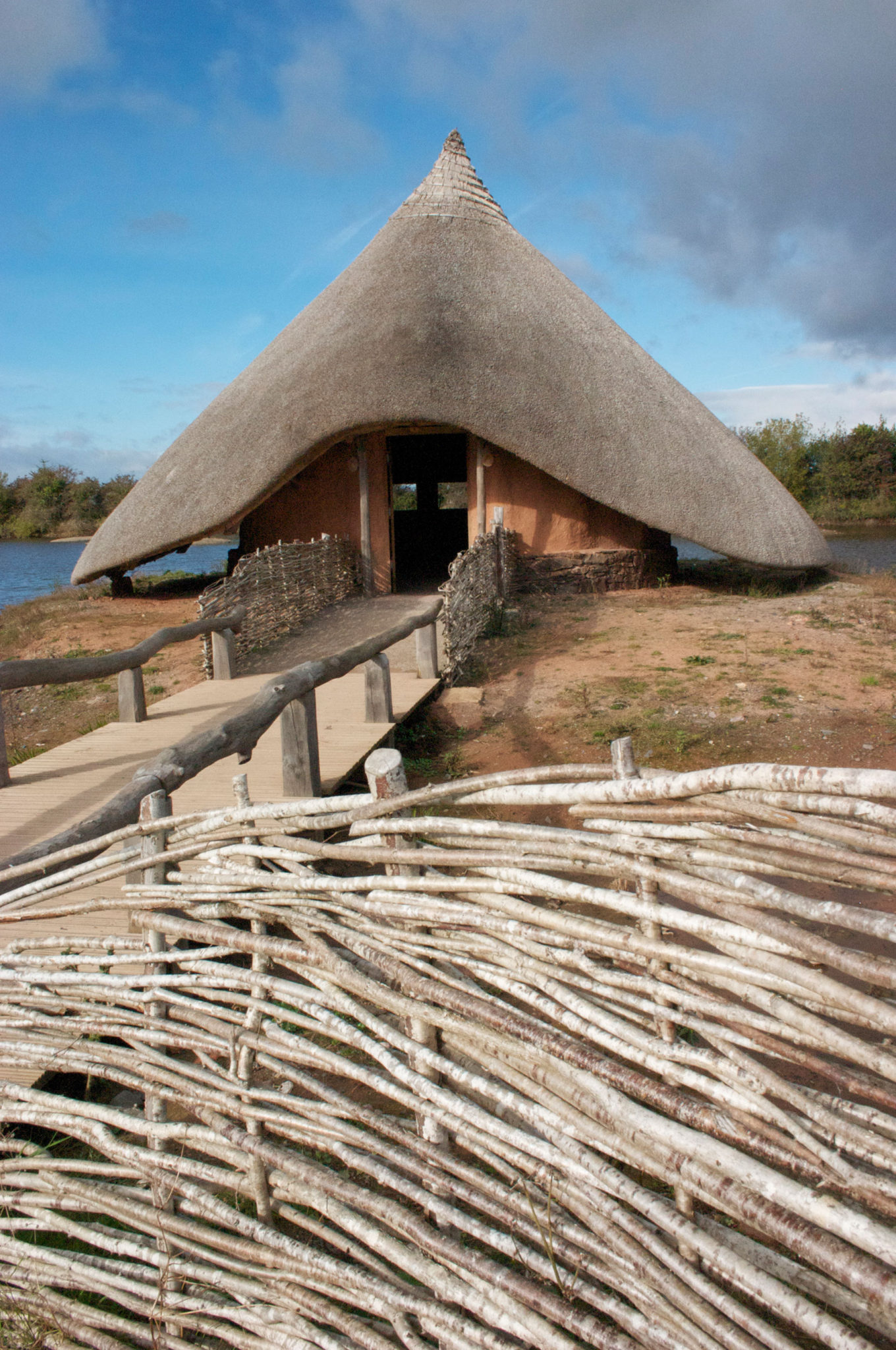 Stone Age wetland crannóg